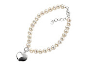 Pearl Bracelet with Puff Heart