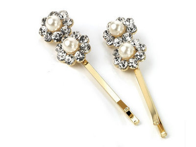 Gold Pearl Daisy Hair Slides