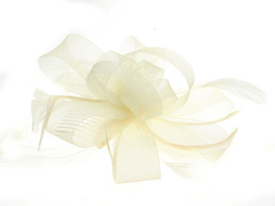 Cream Looped Bow and Feather Fascinator