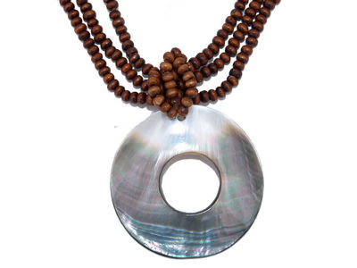 Shell Disc Pendant